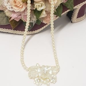 Beautiful Vintage White & Crystal Acrylic Necklace